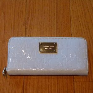 Michael Kors white patent continental wallet